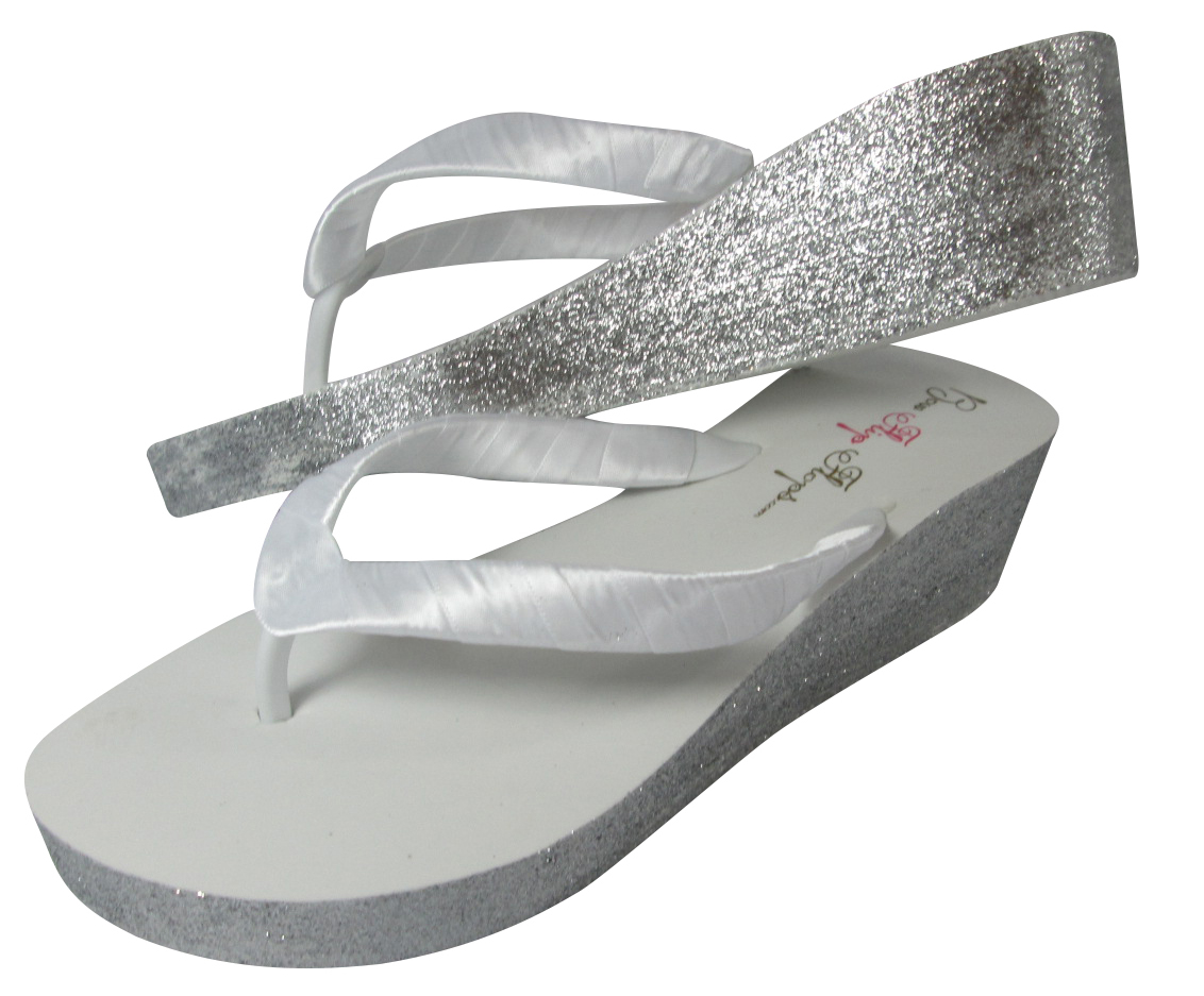 d02fb4091c78 Glitter Bridal Flip Flops for the Wedding from bowflipflops.com